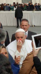 un-naso-rosso-per-papa-francesco